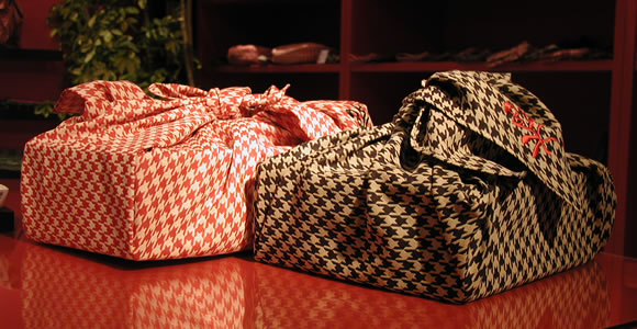 Furoshiki (wrapping cloth)